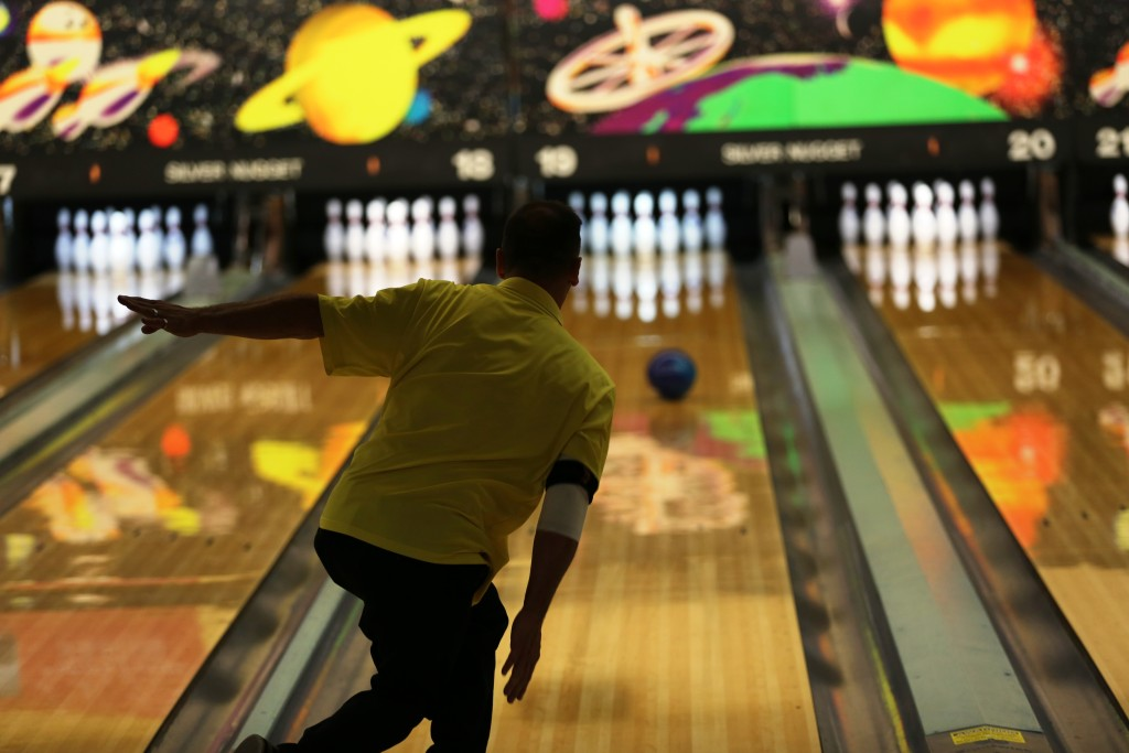 Amazing Frames Bowling Alley Embellishment - Ideas de Marcos ...